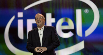 Intel CEO announces surprise retirement