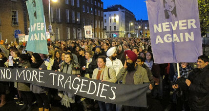 Thousands protest in Ireland to liberalize abortion laws