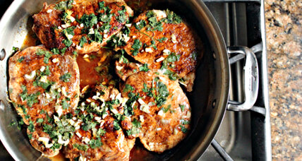 Chili-dusted pork chops with lime and cilantro