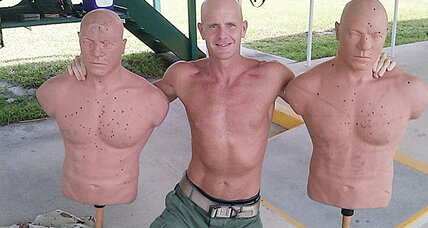 Shirtless photo a joke says FBI agent in Petraeus scandal (+video)