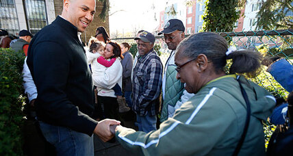 Why is Newark Mayor Cory Booker living on food stamps?