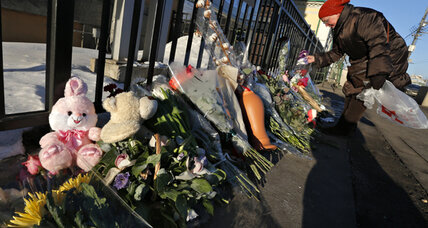 Newtown shooting highlights Russia's gun-control debate