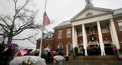One week after Sandy Hook shooting, a simple remembrance