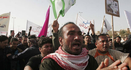 Iraqi protesters block road to Jordan and Syria