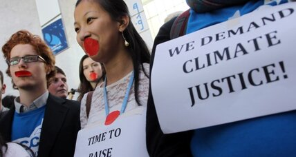 Nations extend weaker Kyoto Protocol