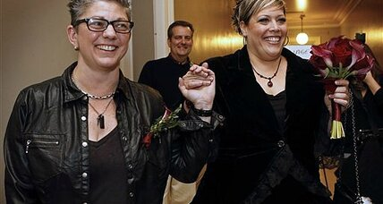 Maine same-sex couples marry in first hours of law