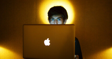 Reddit co-founder, Internet activist, Aaron Swartz, dies at age 26