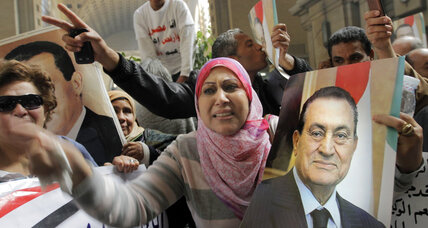 Egyptian appeals court overturns Mubarak's life sentence, orders retrial