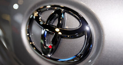 Toyota settles bellwether wrongful death suit, hundreds more pending