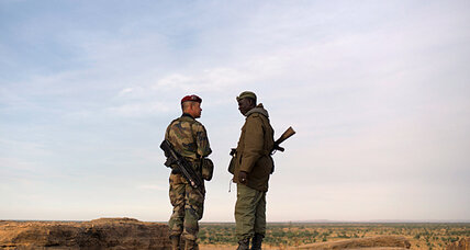 French and Malian forces push toward key Islamic rebel stronghold: witnesses