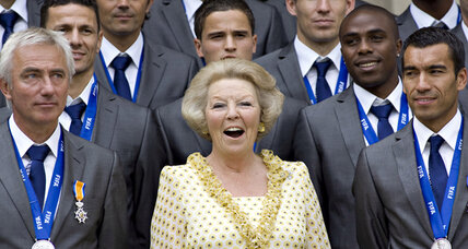 A royal family that believes in retirement? Dutch Queen Beatrix to abdicate