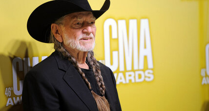 Kris Kristofferson: Award for lifetime achievement presented to Willie Nelson