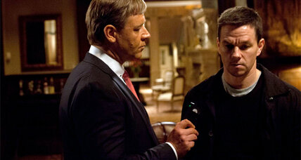 Mark Wahlberg and Russell Crowe face off in 'Broken City'