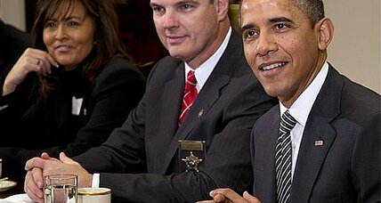 Obama and police chiefs discuss assault rifles, background checks (+video)