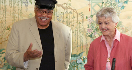 Angela Lansbury, James Earl Jones star in 'Driving Miss Daisy'