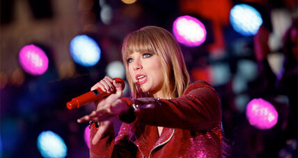 Taylor Swift, Psy perform for New Year's Eve in Times Square