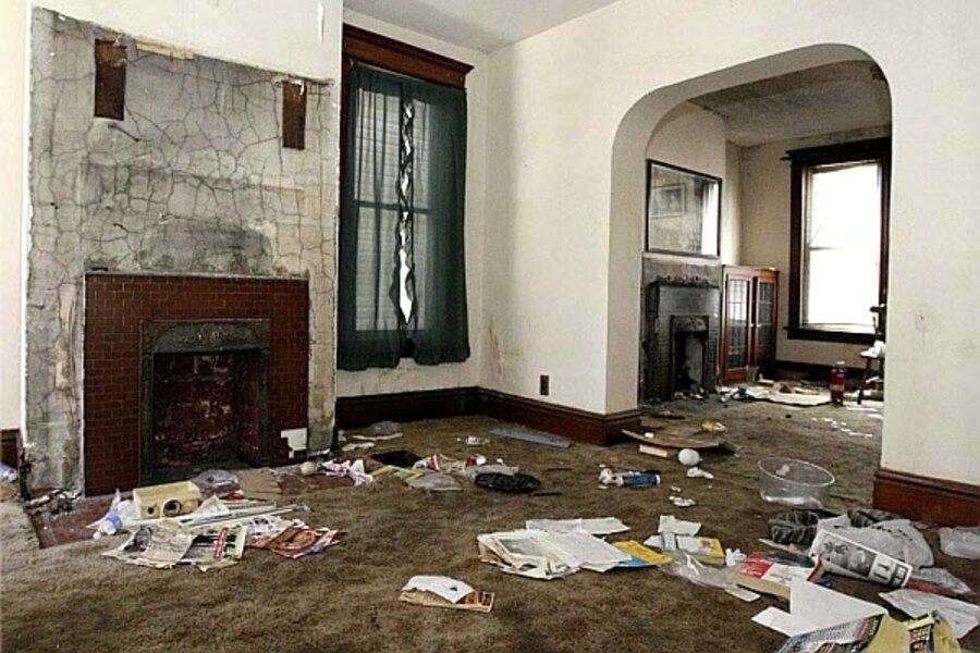 Zombie foreclosures terrorize ex-homeowners - CSMonitor com