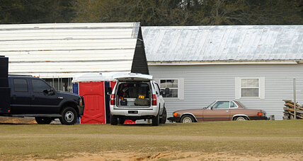 Alabama standoff: week-long hostage ends, boy safe, kidnapper dead