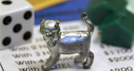 New Monopoly token: Cat replaces housewife's iron, good riddance!