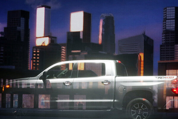 Toyota Tundra Debuts At Chicago Auto Show CSMonitorcom - Toyota dealerships chicago