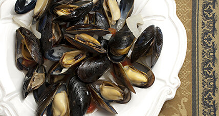 Mussels with fennel and star anise