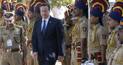 British PM David Cameron begins India trade trip as graft scandal erupts (+video)