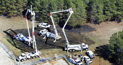 Jet Crash Kills 5, pilot hit utility pole after aborting landing