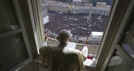 Pope Benedict departs from script slightly in penultimate appearance