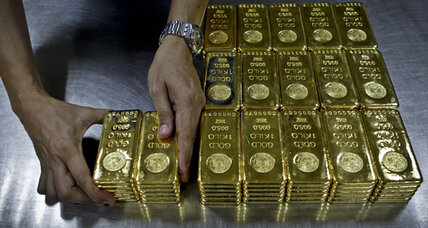 Gold prices falling after Italian bond auction