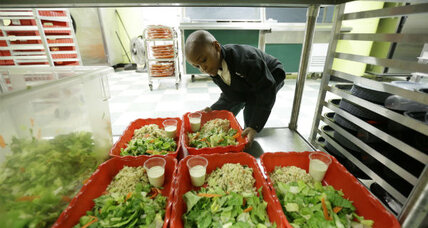 Philadelphia schools offer new family-style lunches to students
