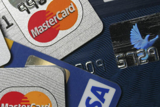how to use a secured card to build credit