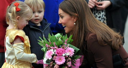 Duchess of Cambridge: Did pregnant Kate say 'daughter'? Princess mania ensues (+video)