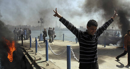 Soccer fans protest violently after Port Said death sentences confirmed