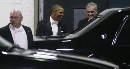Obama pokes fun at sequester at Gridiron dinner