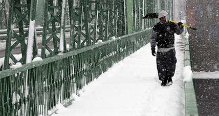 Late snowstorm hits winter-weary Northeast