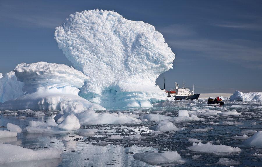 Spread of Antarctic ice: no longer a global warming paradox?