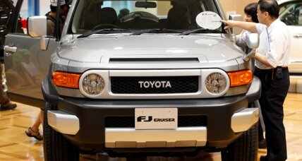 Toyota recalls 310,000 FJ Cruisers over seat-belt flaw