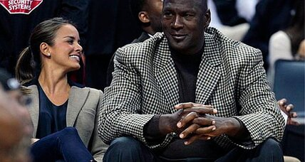 Michael Jordan marriage: His Airness applies for license