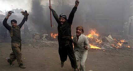 Christian homes torched by Pakistani mob