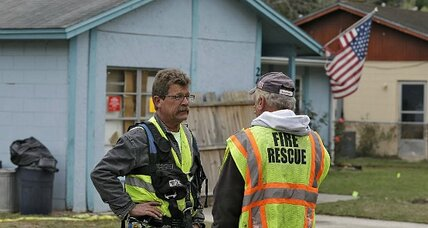 Crews to raze Fla. home over sinkhole; man missing