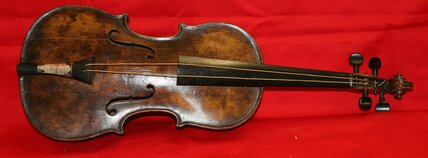 Titanic violin found, authenticated by British auction house