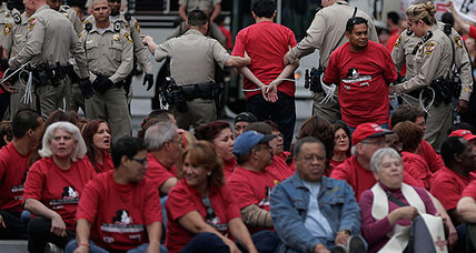 Las Vegas union protest: 98 arrests in casino demo