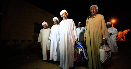 Sudan's Bashir starts freeing prisoners, polishing up legacy
