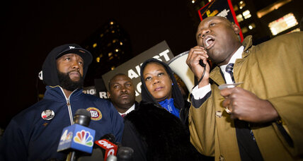 Trayvon Martin's parents settle with homeowners association