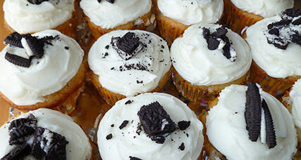Oreo cupcakes with cream cheese frosting