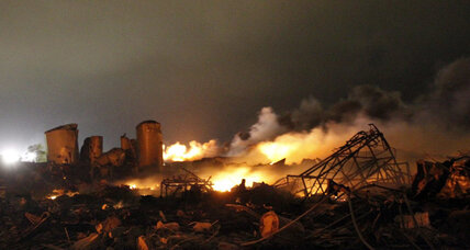 Death toll rising in firestorm at Texas fertilizer plant; sabotage discounted (+video)