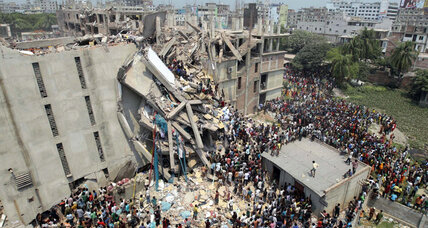 Day after cracks were found, Bangladesh factory collapse leaves 125-plus dead (+video)