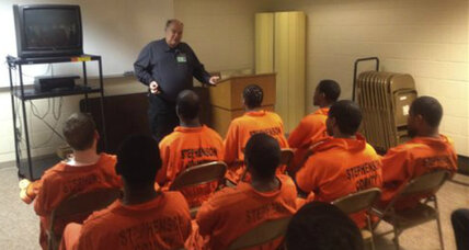 Illinois jail inmates graduate from fatherhood class