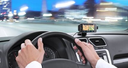 California court bans use of smart phone maps while driving