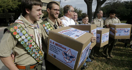 Boy Scouts gay ban: Leaders propose lifting gay ban for youth